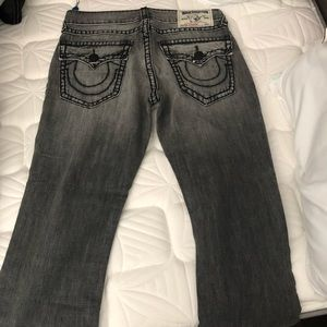 NWT MENS TRUE RELIGION JEANS 34 Grey Wash